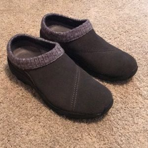 Vionic Slippers Size 7